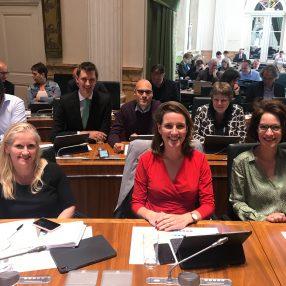 Ilse, Amélie, Suzanne, Marcel, Emre en Arja